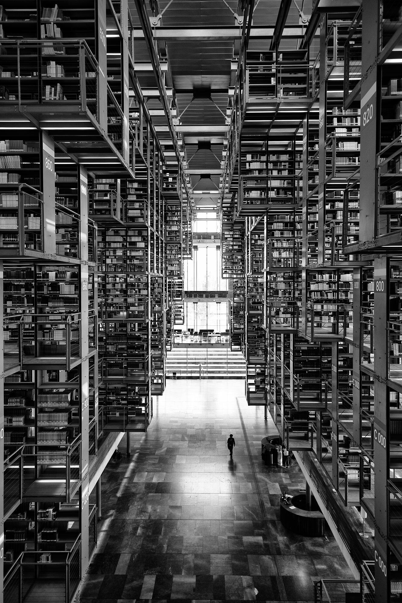 Alberto Kalach – Vasconcelos Library